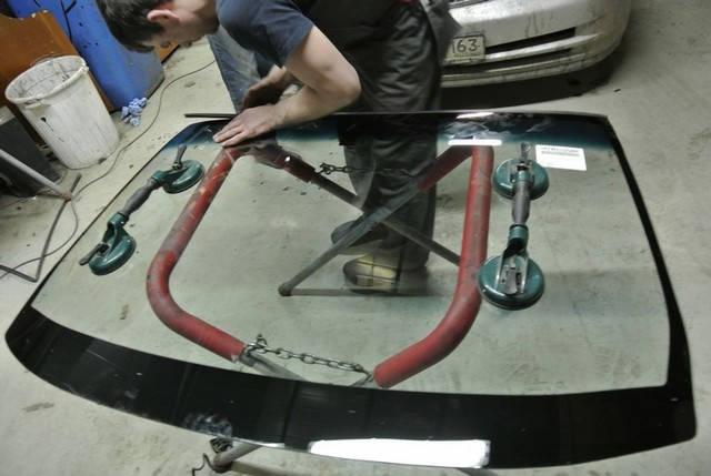Услуга замена лобового стекла